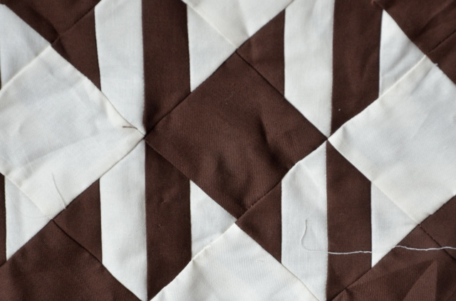 Houndstooth quilt layout