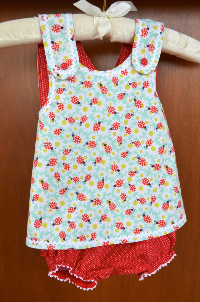 Baby crossover top