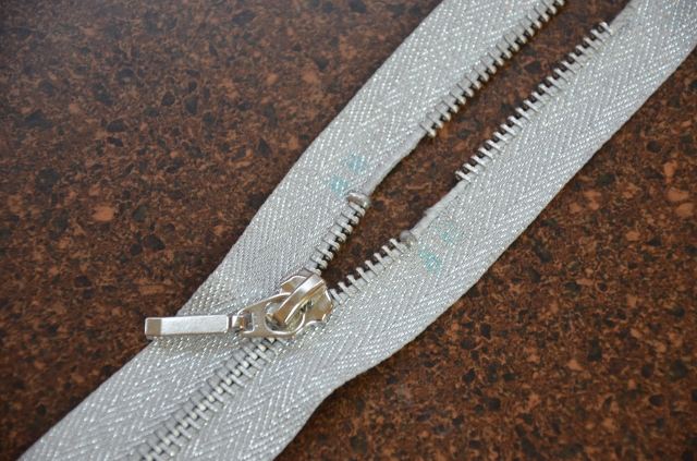 How to shorten a metal zipper at Sewfrench